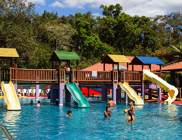 Orotina para refrescarse la vida hola es lola for Balneario de fortuna precios piscina
