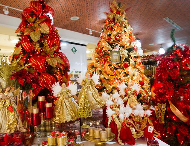 Arbol navidad dorado qu colores usar en navidad moderno for Arbol de navidad dorado