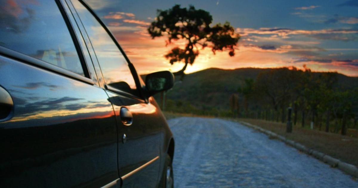 ¿Cuánto cuesta y qué ocupo para alquilar un carro?